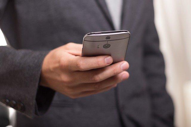 smartfon z dobrą baterią